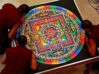 https://jcdurbant.files.wordpress.com/2013/07/4fe91-tibetan-sand-mandala.jpg