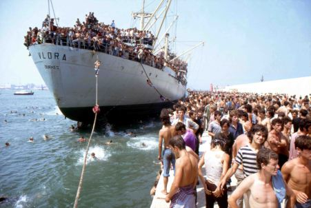 Italian-bound Albanian refugees (1991)