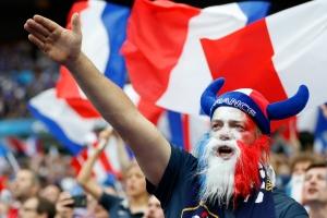 supporter-equipe-de-france-18333789-1-fre-fr